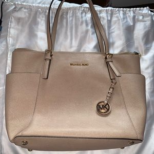 MICHAEL KORS PINK LEATHER VOYAGER TOTE PURSE
